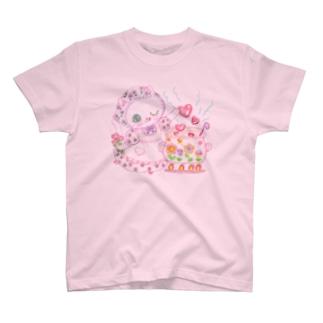 らずまりーにゃ(背面は天使の羽) T-shirts