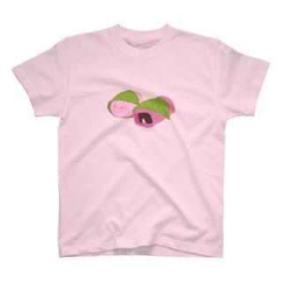 桜餅もちうさぎ T-shirts