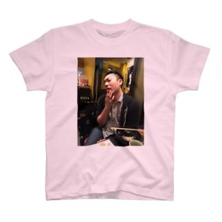 過激派倉庫 T-shirts