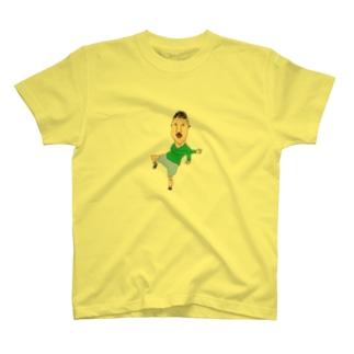 ただでさえ、人気者なのにダンスまでできちゃう男の子   T-shirts