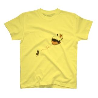 モルモットの落し物 T-shirts