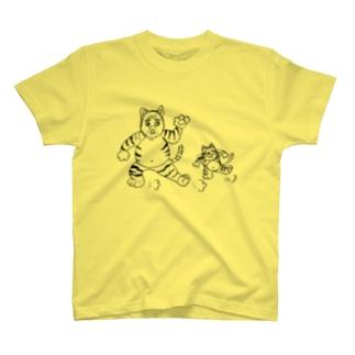 「ねこおじさん、踊る」 T-shirts