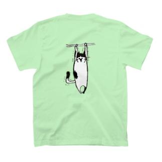 ぷるぷるねこ(バックプリント) T-shirts