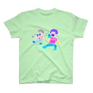 暑いからアイス食べよっと T-shirts