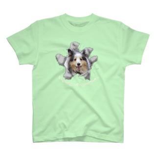 突き破る Liebe T-shirts