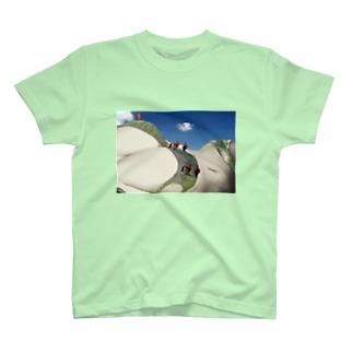 世界最高峰女体山に登頂するアタック隊 T-shirts