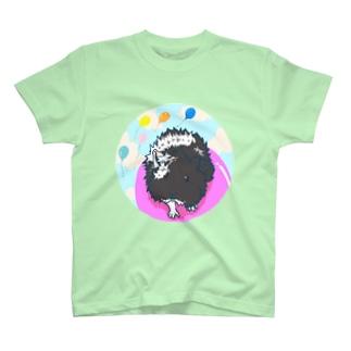 風船に乗っているモルモット04 T-Shirt