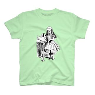 不思議の国のアリス drink me T-shirts