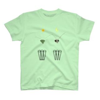 カマキリの昼と夜の複眼(絵文字、背景透過ver) T-Shirt
