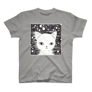 夜に溶けている Tシャツ