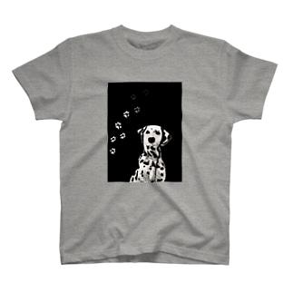 BLACK & WHITE DOG T-shirts