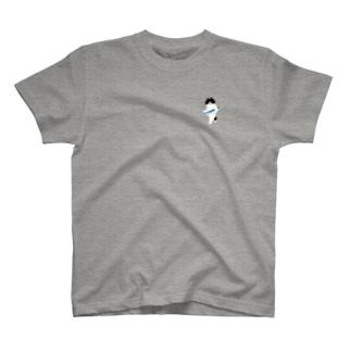 SUIMINグッズのお店の【小】盗んだサンマと歩き出す猫 T-shirts