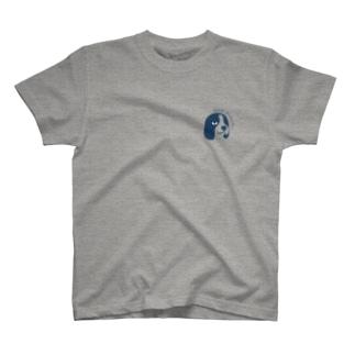 やらかし犬 T-shirts