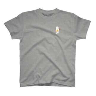 エビフライをさわやかに持ち運ぶ猫(小) T-shirts