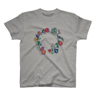おもいでの花輪 T-shirts
