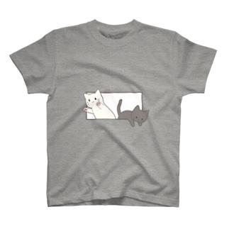 とびだす猫 T-shirts