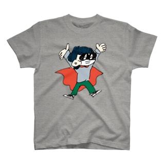 風邪引いてるヒーロー T-shirts