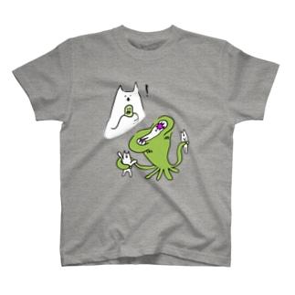 ねこvsエイリアン T-shirts