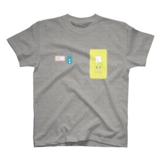 コンセント02 T-shirts