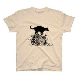 花に乗る猫 Tシャツ