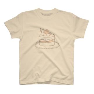 ケーキとうさぎ Tシャツ