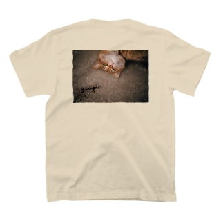 【quipicロゴ】猫のバックプリントT-shirt T-shirts