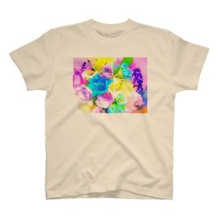 カラフルブーケ T-shirts