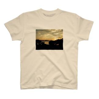 ひつじ雲の夕焼け T-shirts