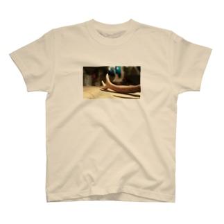 鹿の角 T-shirts