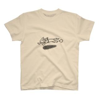 走るチコル T-shirts