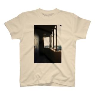 501号室 T-shirts