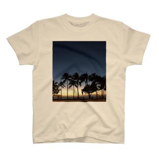 ハワイのビーチ! T-shirts