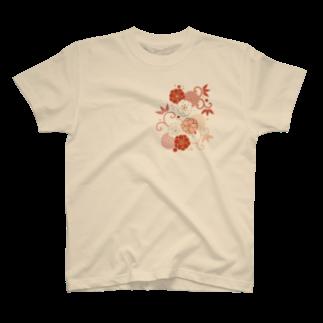 fujiatsuの梅と唐草(赤) T-shirts