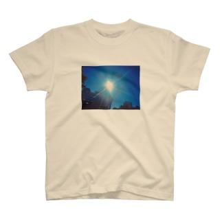 台風晴れのあそこ T-shirts