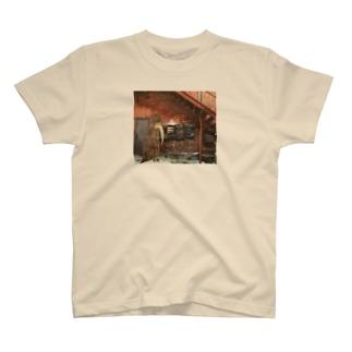 ロシアン・ガール T-shirts