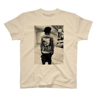 コミケとアキューズド T-shirts