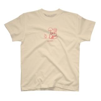 クリームソーダで乾杯👛ピンク空間 T-shirts
