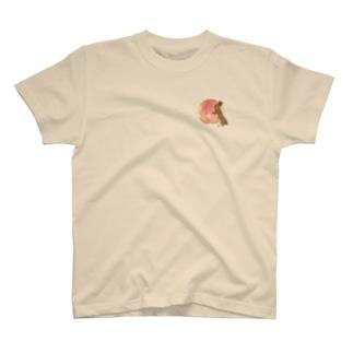 桃とうさぎさん(チェスナット) T-shirts