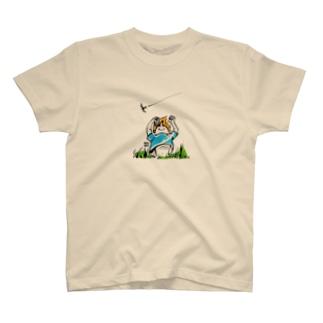 夏の子 T-shirts