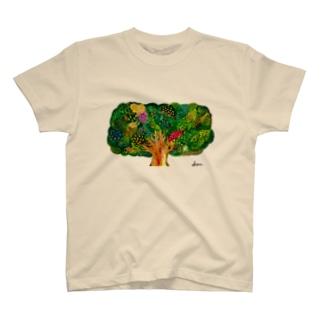 実りの木 T-shirts