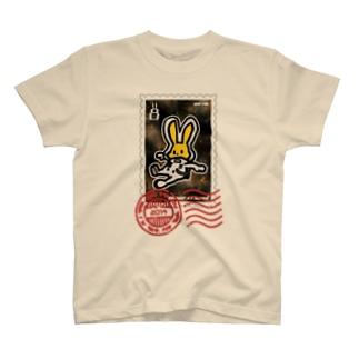 宇宙うさぎ(浮遊)の切手風 T-shirts