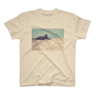 街の黒猫 T-shirts