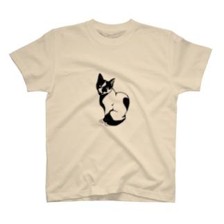 見返り美猫 T-shirts