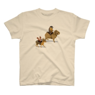 乗カピバラするマーモットと乗マーラするリス T-Shirt
