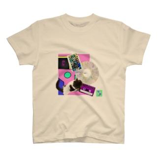 momo_emi MOMOの背中にはハートが、レコード・カセットテープ♪ T-shirts