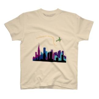 魔女の空中散歩 T-shirts