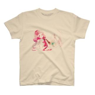 寝ころび T-shirts