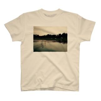 感傷 T-shirts