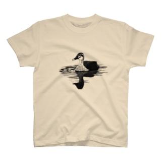 アキヅキのカルガモ(モノクロ) T-Shirt