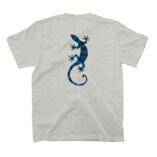 青いしましまのトカゲ T-shirts